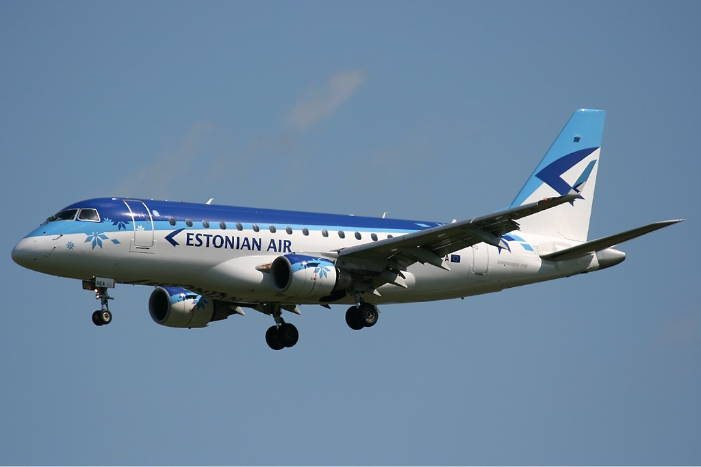estonia-air-embraer-170